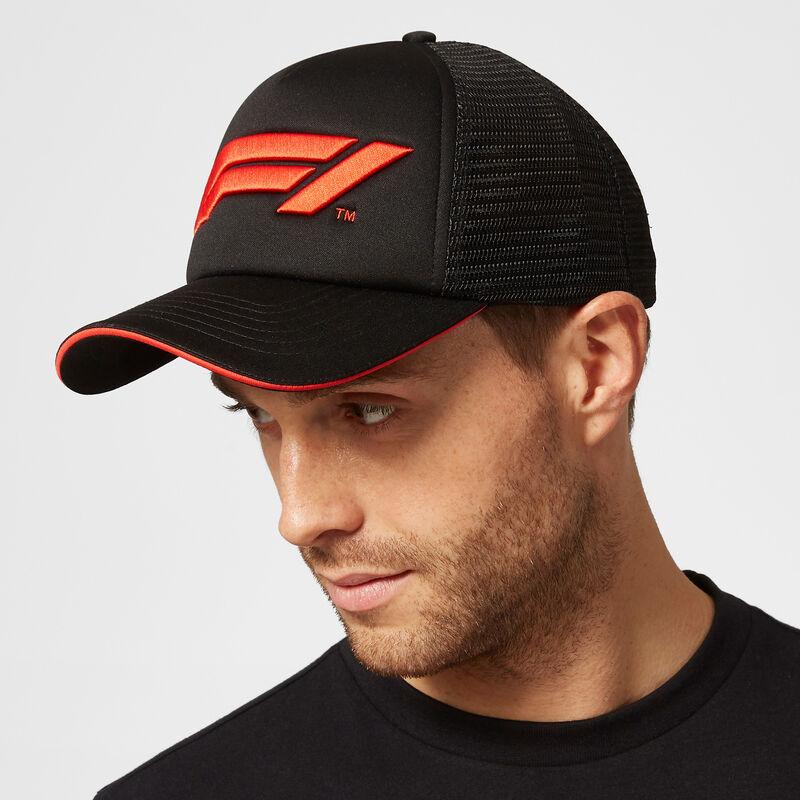 F1 FW LARGE LOGO TRUCKER CAP - black